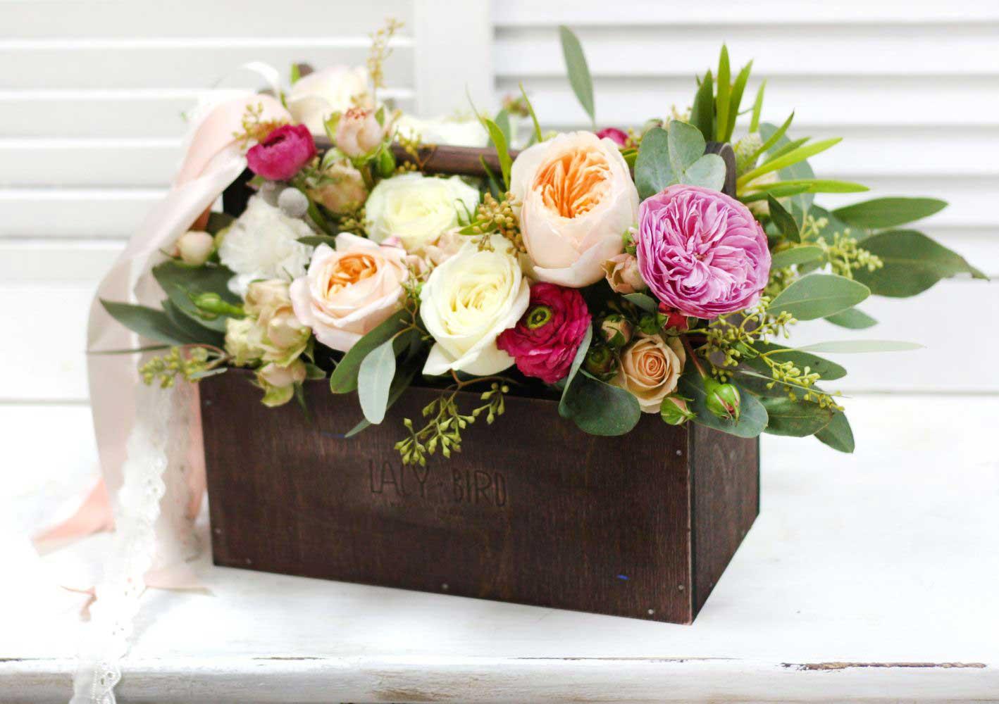 boite-fleurs-evenementiel-roses