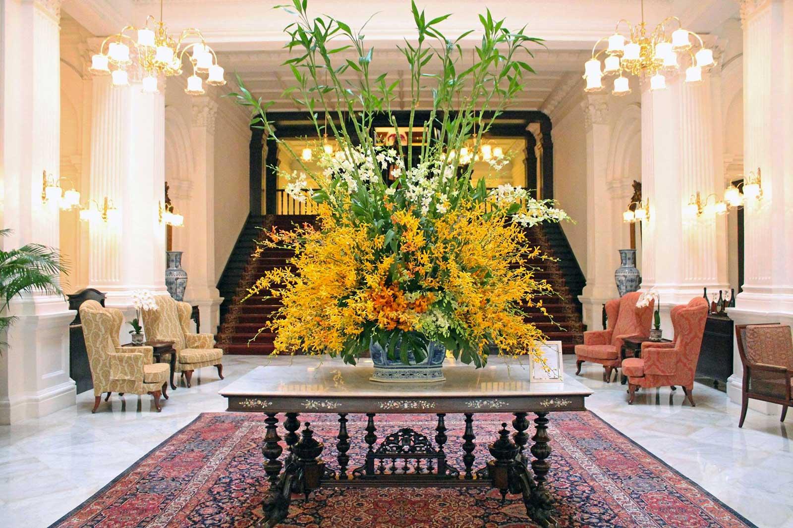 bouquet-jaune-entree-hotel