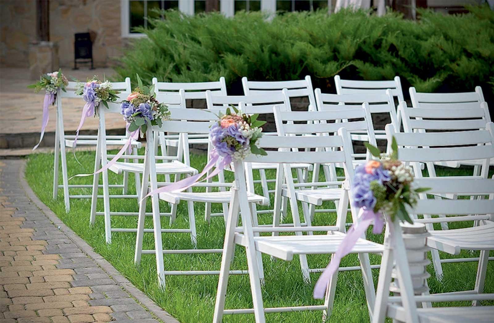 bouquets-violets-sur-siege