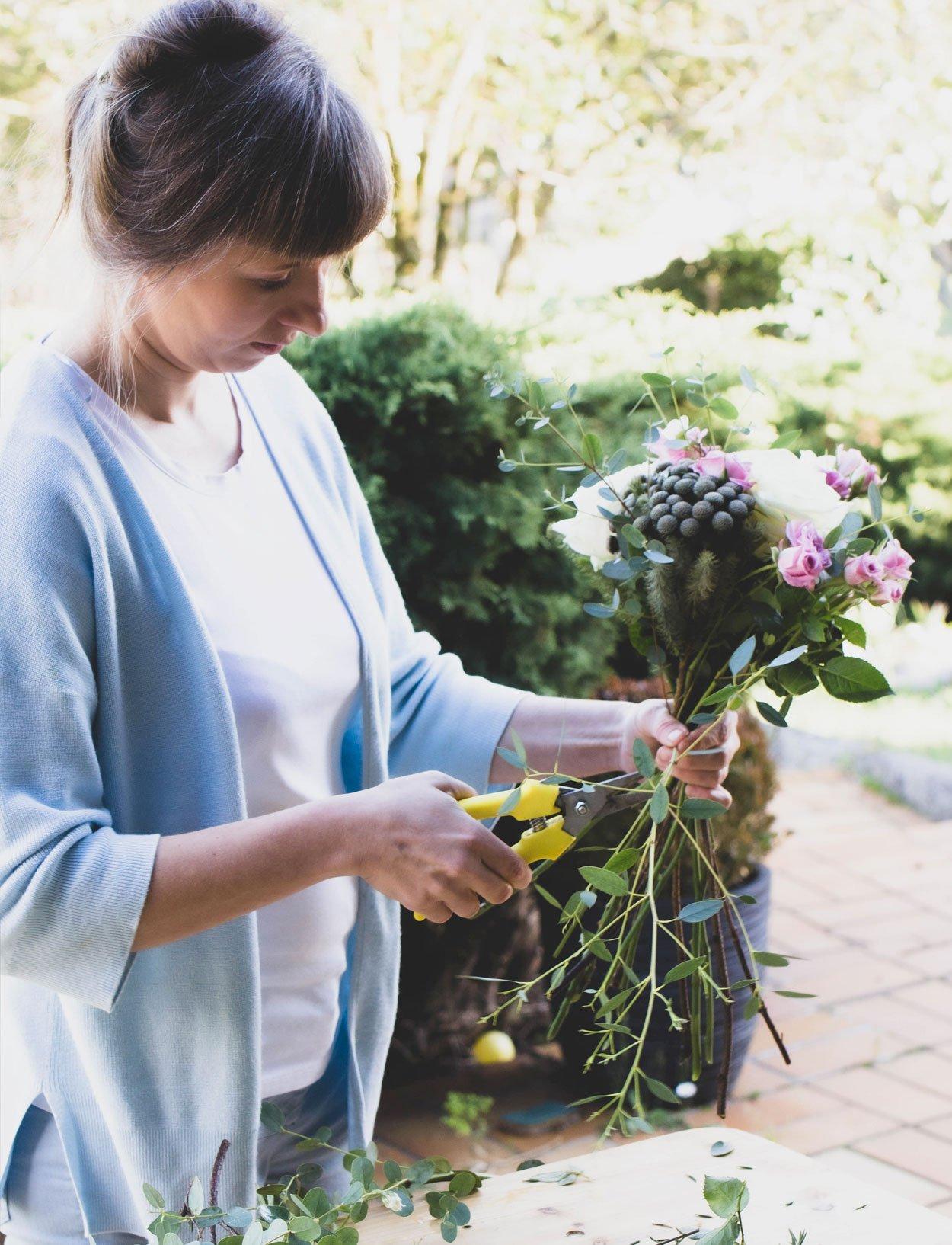 Nadia préparation de bouquets
